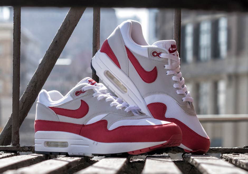 """newest e749a 3588f OG Nike Air Max 1 Arrives Just In Time For The Annual """"Air ..."""